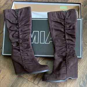 MIA Biscuit Dark Brown Tall Boots Size 8m